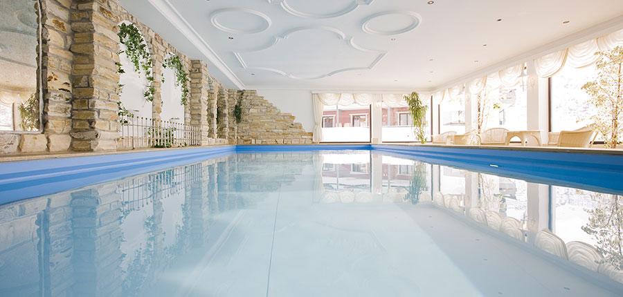 austria_arlberg-ski-area_lech_hotel_sonnenburg_oberlech_indoor_pool.jpg